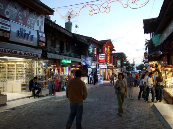 Side - Town's shopping street