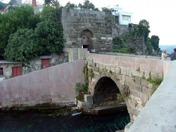 Stone bridge inside Amasra.