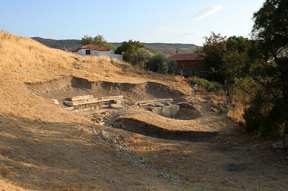 Foça - The ancient Theater